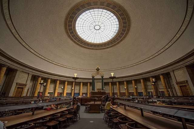 Large and exquisite library in Manchester to work and study from